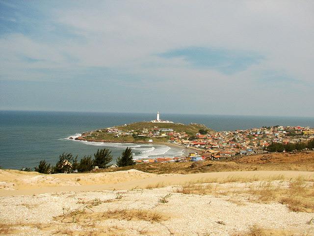 Farol de Santa Marta, aldea y Faro de fondo