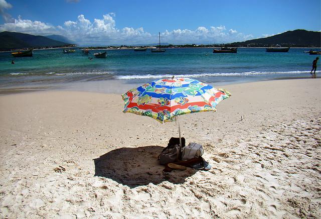 Playa en el sur de Brasil en día soleado