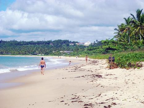 Playa Araçaipe, centro e Iglesia a lo lejos