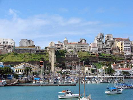 Ciudad Alta y Baja desde la Bahía