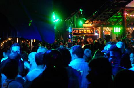 La noche en el Beco das Cores - Arraial d'Ajuda