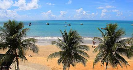 Playa, mar y palmeras en Maragogi